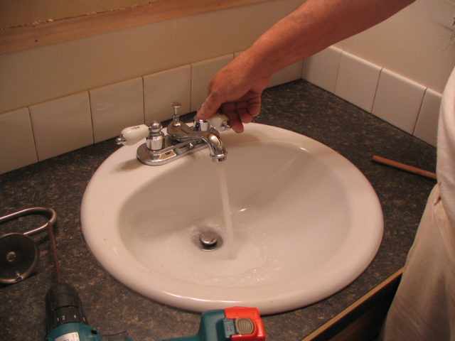 Diy Bathroom Faucet How To Save Water In The Bathroom 3 Diy Ways To Avoid Wasting