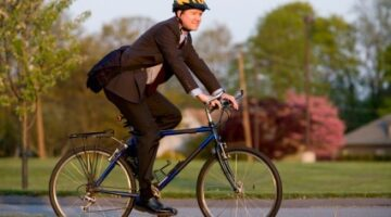 5 Bike Commuting Tips + 1 Video Showing What NOT To Do!