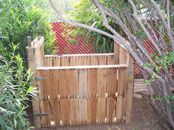 diy-compost-bin-made-from-pallets.jpg