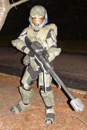 diy-halo-master-chief-halloween-costume.jpg