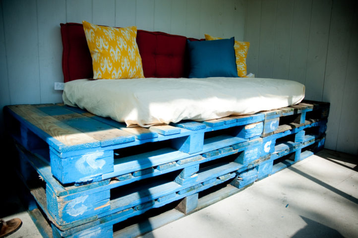 Free Materials For DIY Projects: Where To Get Free Pallets ...