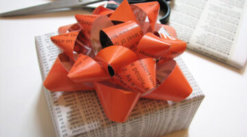 How To Make A Gift Bow From A Magazine + Creative Present Wrapping Ideas