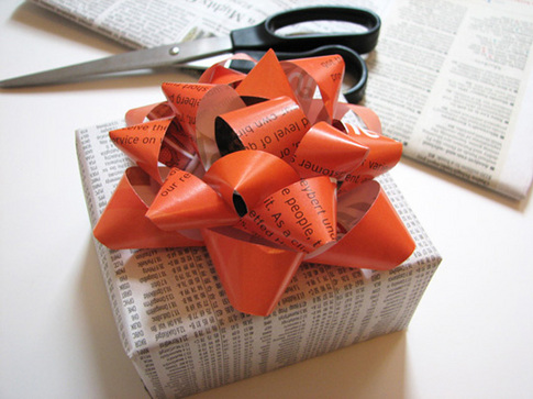 recycled-gift-bow.jpg