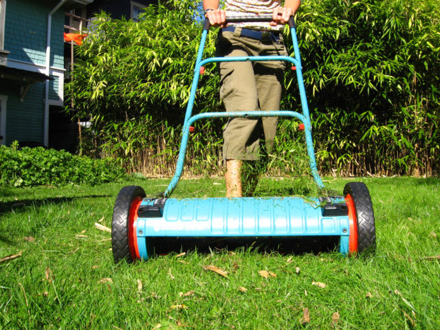 see why an old fashioned push reel mower is a great eco friendly alternative for mowing your. Black Bedroom Furniture Sets. Home Design Ideas