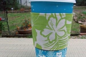 Reusable Coffee Mugs & Coffee Sleeves: Saving The World One Coffee At A Time