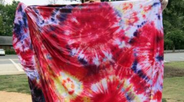 Reusing Old Bedding: 4 Fun & Practical Ways To Reuse Bed Sheets