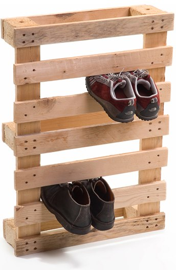Upcycle A Shipping Pallet Into An Awesome Shoe Rack